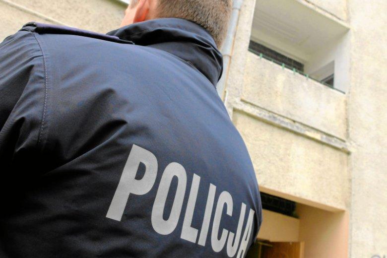 Nastolatkowie zostali zatrzymani przez policję po tym, jak dziewczyna przyszła z martwym dzieckiem do szpitala.