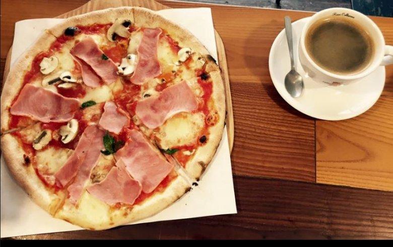 Pizza z kawą