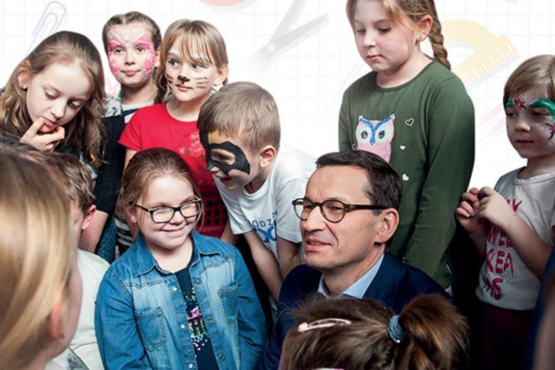 """Screen ulotki informacyjnej o programie """"Dobry Start"""", która dotarła do szkół w całej Polsce."""