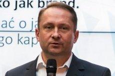 Kamil Durczok wysunął na Twitterze mocną tezę odnośnie wewnętrznych sondaży PiS.
