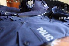 25-letnia kobieta obawiała się, że nie wyjdzie żywa z komendy policji. Funkcjonariusz na służbie miał zgwałcić ją w toalecie.