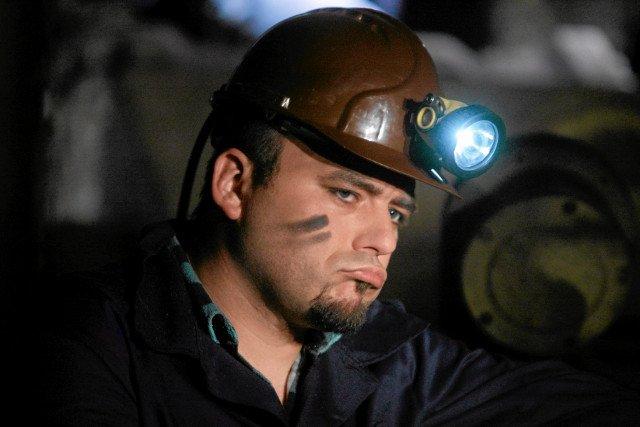 """Plan teledysku """"Jadymy na bogato"""" w satyrze o bogatych górnikach jest jednak sporo prawdy."""