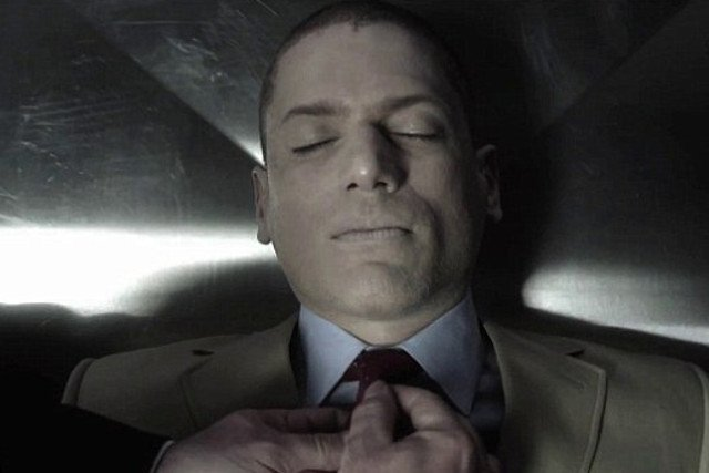 """Śmierć Michaela Scofielda w """"Skazanym na śmierć"""" wstrząsnęła widzami. Scenarzyści pożegnali go w najbardziej przykry sposób, ale w 5. sezonie sprawią, że wróci z zaświatów."""