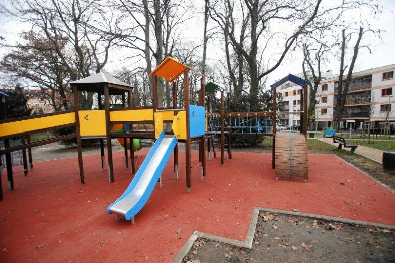 Na jednym z oleśnickich placów zabaw, grupa 8-latków znęcała się nad chłopcem z zespołem Downa.