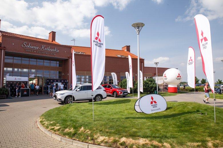Podczas zawodów goście testowali samochody marki Mitsubishi