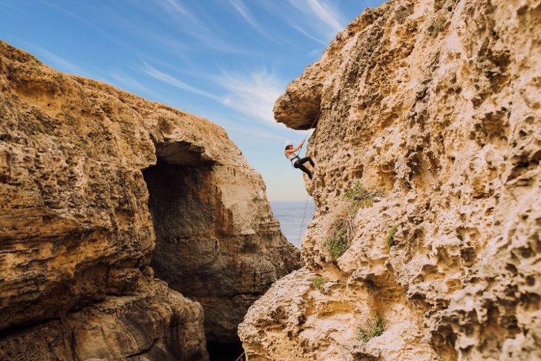 Gozo to druga co do wielkości wyspa archipelagu Wysp Maltańskich. Mniejsza siostra Malty zachwyca legendarną historią, malowniczym krajobrazem, starożytnymi zabytkami oraz szeregiem atrakcji dla aktywnych turystów