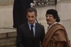 Sarkozy i Kadafi w Paryżu. Jeszcze jako przyjaciele
