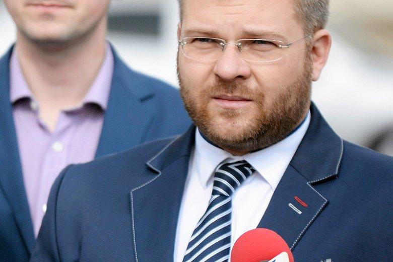 Bydgoski radny Rafał Piasecki rozpalił emocje na nudnym dotąd Portalu Samorządowym.