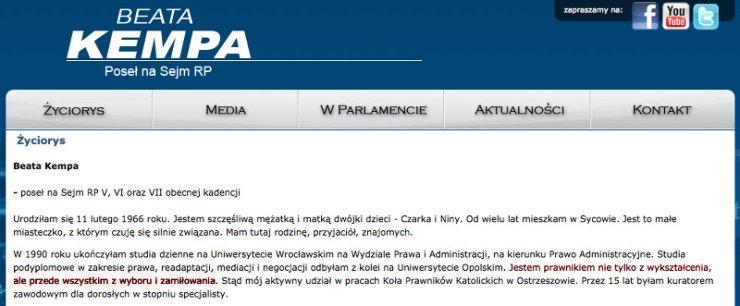 W życiorysie na swojej stronie internetowej Beata Kempa uparcie określa siebie mianem prawnika.