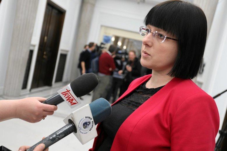 Kaja Godek ogłosiła w Sejmie  start w wyborach i zaatakowała PiS za uleganie Brukseli.