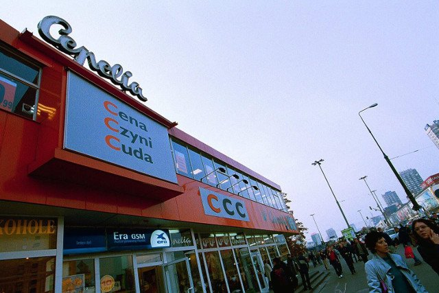 Zdjęcie z 2000 roku i jeden z pierwszych sklepów CCC, kto by pomyślał, że właściciel zbuduje na tym fortunę miliarda dolarów.
