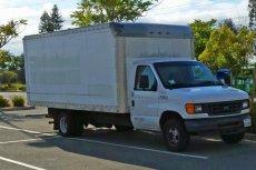 23-latek pracujący w Google mieszka w ciężarówce na parkingu przed siedzibą firmy. Oszczędza 90 proc. pensji