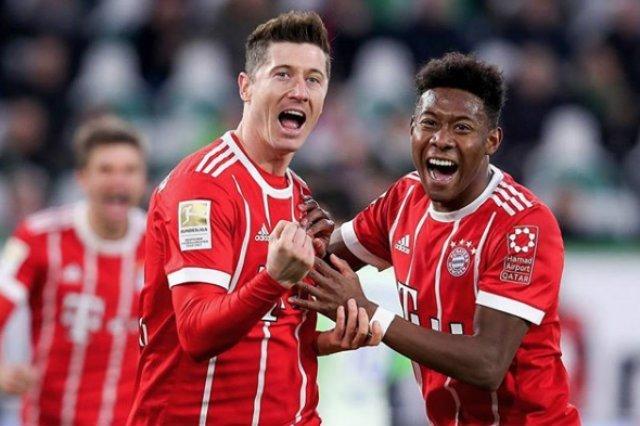 Robert Lewandowski prawdopodobnie kolejny sezon wystartuje w barwach Bayernu.