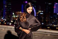Tak polski projektant widzi nowoczesną arabską kobietę. Sesja zdjęciowa  Almotahajiba Signature na dachu katarskiego wieżowca