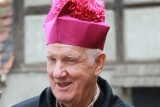 Biskup Ignacy Dec wskazał kryterium podstawowe ws. głosowania w wyborach prezydenckich. Ujawnił, na kogo powinien głosować katolik.