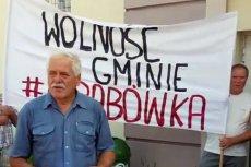 Sołtys Grabówki Tadeusz Karpowicz żąda 3 mln złotych zadośćuczynienia od Prawa i Sprawiedliwości.