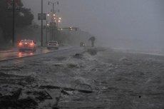 """Huragan Sandy został ochrzczony przez amerykańskie media mianem """"sztormu stulecia""""."""