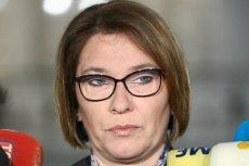 Beata Mazurek zaatakowała Donalda Tuska. Poszło o odpowiedź szefa Rady Europejskiej dotyczącą haratania w gałę. Tego zwrotu użył wcześniej Mateusz Morawiecki, komentując działania poprzedniej ekipy rządzącej.