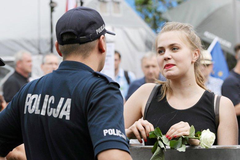"""Co dzieje się w policji po """"dobrej zmianie""""?"""