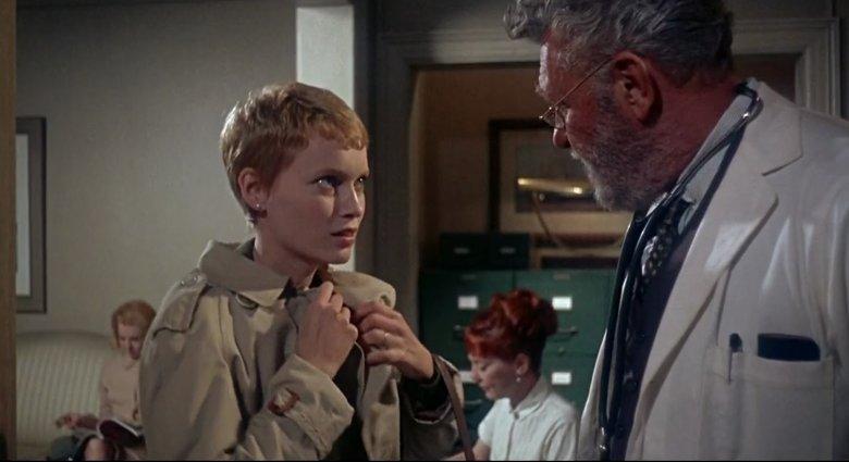 Mia Farrow jako Rosemary