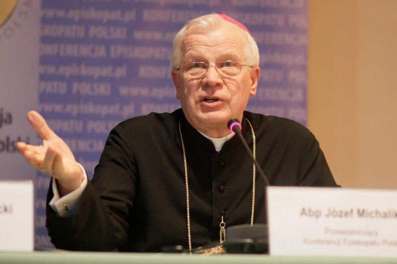 """Arcybiskup Józef Michalik przekonuje, że """"wielu molestowań udałoby się uniknąć, gdyby relacje między rodzicami były zdrowe"""""""