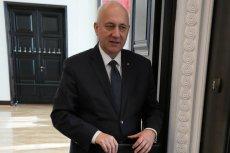 """Joachim Brudziński mówił w RMF FM o """"gonieniu suki do Brukseli"""". Polityk wyjaśnił, o co mu chodziło."""