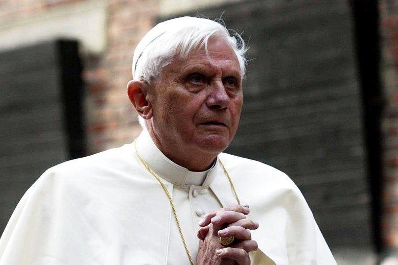 Watykan zdementował plotki o stanie zdrowia Benedykta XVI.