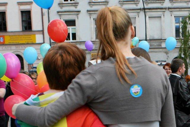 Pełnomocnik rządu ds. równości nie wiedział, co odpowiedzieć na pytanie, dlaczego nie zgadza się na adopcję dzieci przez homoseksualistów.