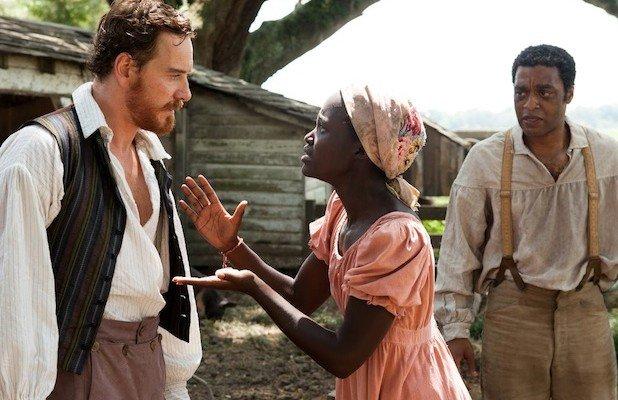 """Kadr z filmu """"Zniewolony""""."""