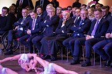 Zdjęcia Andrzeja Dudy z VIP-ami to nowy hit internetu.