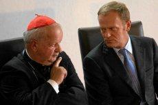 Kardynał Stanisław Dziwisz i premier Donald Tusk