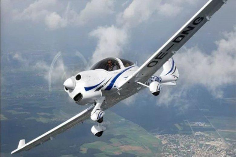 Pilot Diamonda DA40 zasłabł w czasie lotu szkoleniowego.