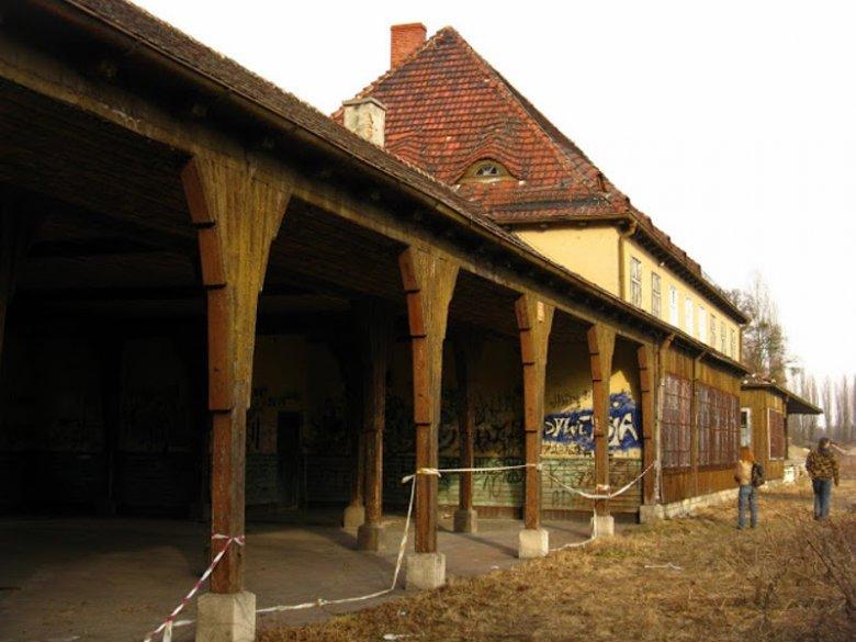 Opuszczona stacja w Leśnicy