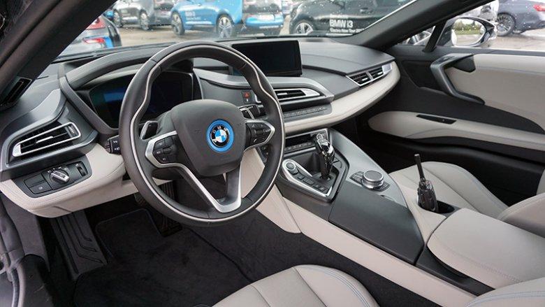 Wnętrze BMW i8.
