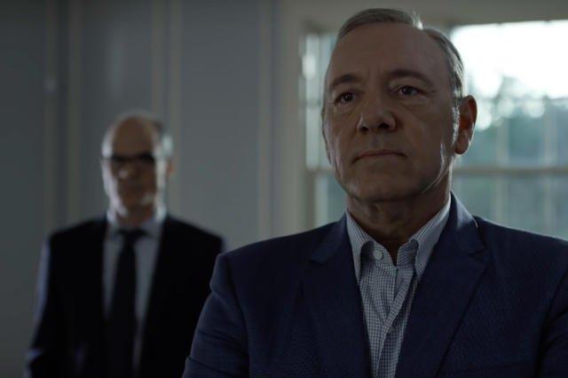 Doug stoi w cieniu Franka, jednak jest mu oddany, jak nigdy. Scena z konfrontacji małżonków.
