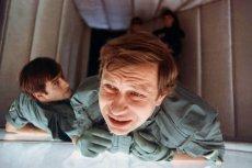 """Oglądana z perspektywy czasu """"Seksmisja"""" jest zupełnie innym filmem jak kiedyś."""