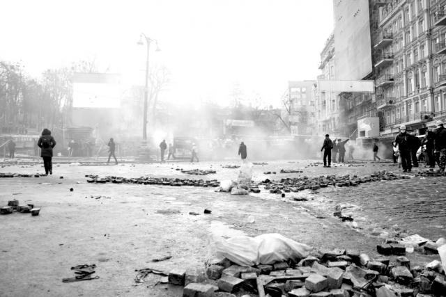 20 stycznia 2014 / Ulica Hruszewskiego po całonocnych zamieszkach