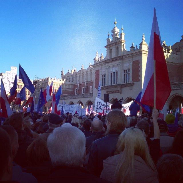 Kraków - rzekoma ostoja konserwatystów, frekwencją dopisał jak nigdy!
