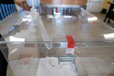 W komisji wyborczej na Ochocie w Warszawie nie zaplombowano urny do głosowania.