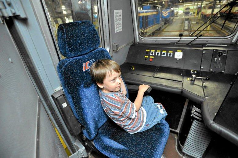 Marzeniem pięcioletniego Tomka było siąść za sterami lokomotywy.