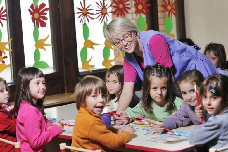 Pierwszy dzień w przedszkolu i szkole – trudny moment i dla dziecka, i dla rodzica. Podpowiadamy, jak sobie poradzić