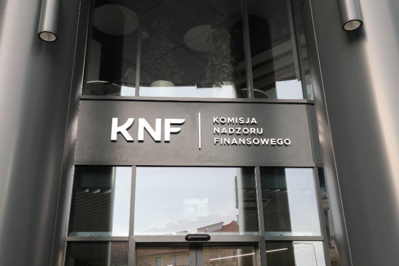 Z zapisu monitoringu w gmachu KNF nie wynika, by Marek Ch. miał korzystać z niszczarki dokumentów w dniu, gdy pojawili się tam agenci CBA.
