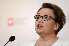 Anna Zalewska przeprosiła za słowa Marka Suskiego o zarobkach nauczycieli.
