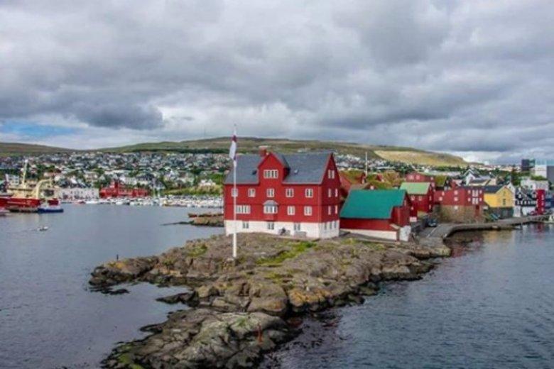 Miasto jest centrum dowodzenia na całym archipelagu