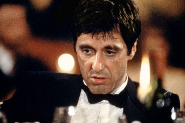"""Al Pacino za rolę w """"Człowieku z blizną"""" został nagrodzony przez Amerykański Instytut Filmowy nagrodą dla """"100 najlepszych kwestii filmowych wszech czasów""""."""
