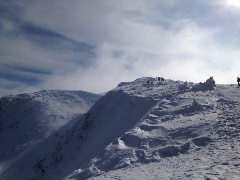 Chętnych do zdobycia szczytu Babiej Góry nie brakuje.