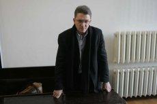"""Grzegorz Braun """"więźniem politycznym""""? Został skazany na tydzieńza obrazę sądu."""