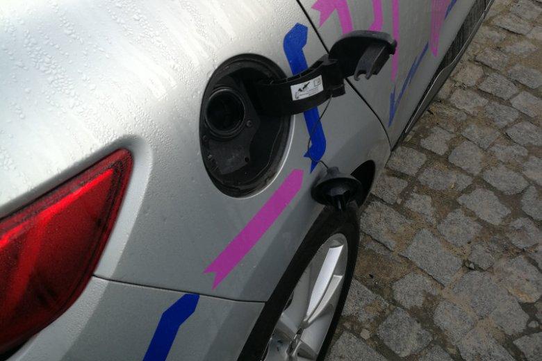 Uszkodzony wlew paliwa sprawił, że auto zostało wyłączone z dalszego użytkowania.