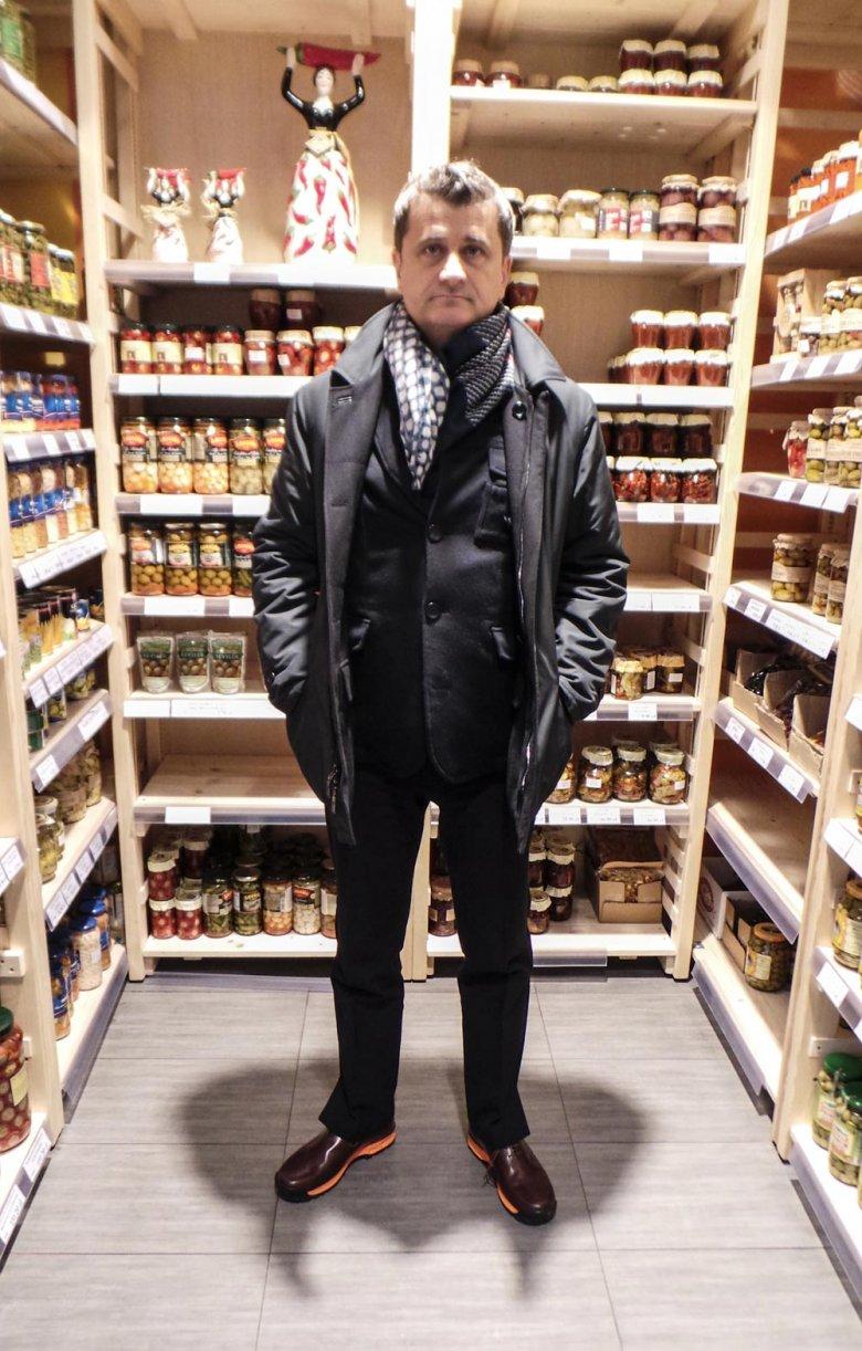 Janusz Palikot w sklepie w Warszawie