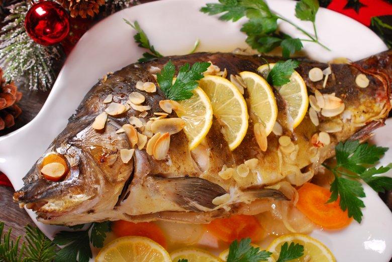Świąteczny karp - dziś podstawa wigilijnego menu, przed wiekami - ryba mało Polakom znana.
